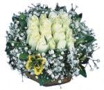 Muğla kaliteli taze ve ucuz çiçekler  Beyaz harika bir gül sepeti