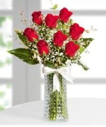 7 Adet vazoda kırmızı gül sevgiliye özel  Muğla çiçek servisi , çiçekçi adresleri
