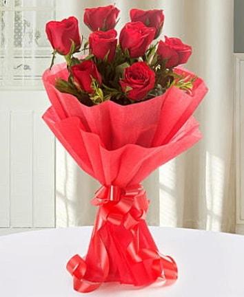 9 adet kırmızı gülden modern buket  Muğla internetten çiçek siparişi