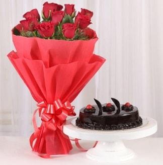 10 Adet kırmızı gül ve 4 kişilik yaş pasta  Muğla çiçek mağazası , çiçekçi adresleri