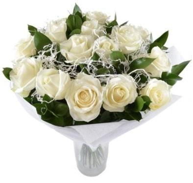 15 beyaz gül buketi sade aşk  Muğla uluslararası çiçek gönderme