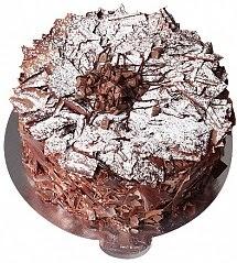 9 ile 12 Kişilik Parça Çikolatalı yaş pasta